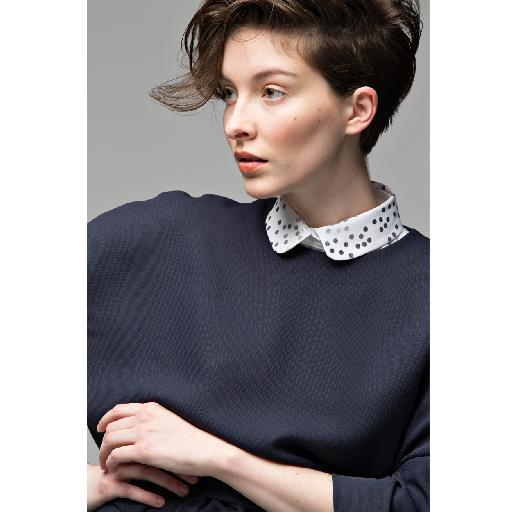 Lilirooz collar Round, reinforced collar with a polka dots print and a white bodice.