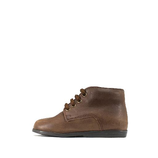 Two Con Me by Pepe first walker Simple first walker in darkbrown