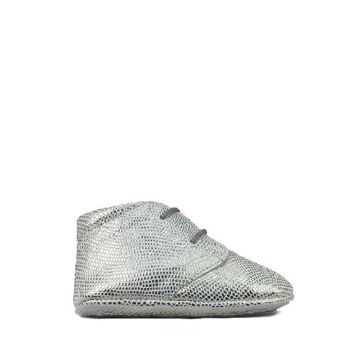 Tricati pre step shoe White pre-stepper with silver dots