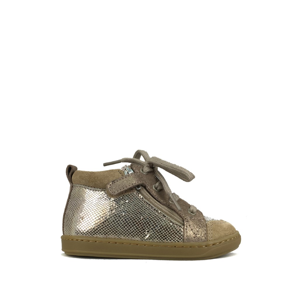 Pom d'api - Beige 1st step sneaker with gold relief